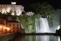 La cascata di notte