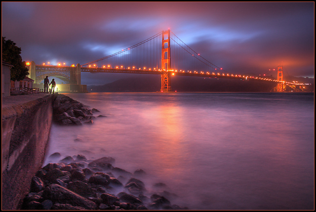 Golden Gate's colorful night