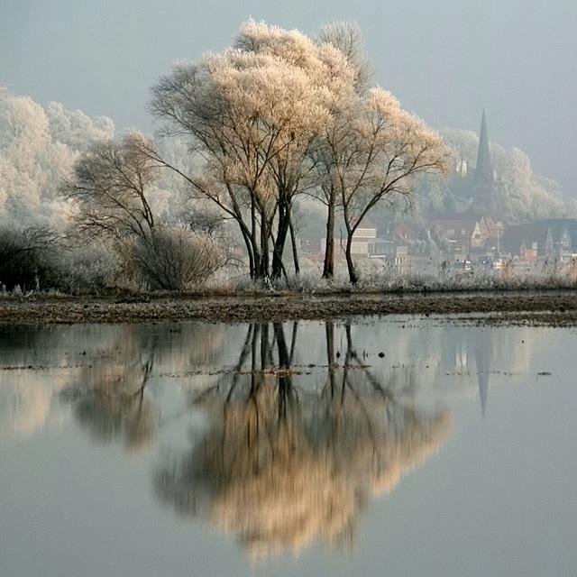 Winter Reflections - Lauenburg / Elbe (Germany)