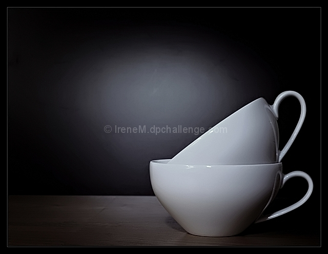 Les tasses blanches
