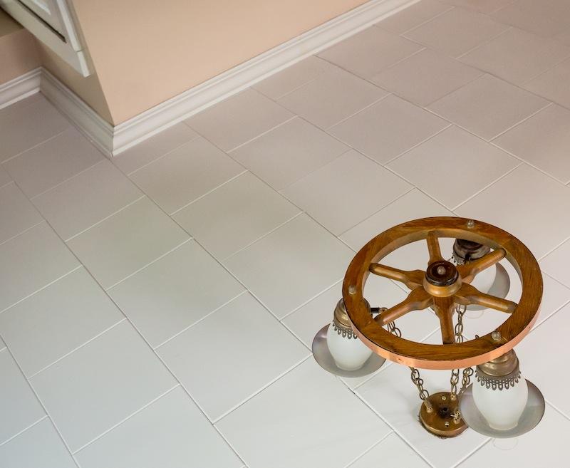 Wagon Wheel Ceiling Floor