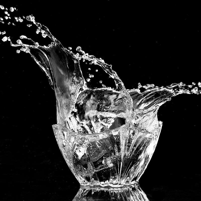 Bowl-shaped splash