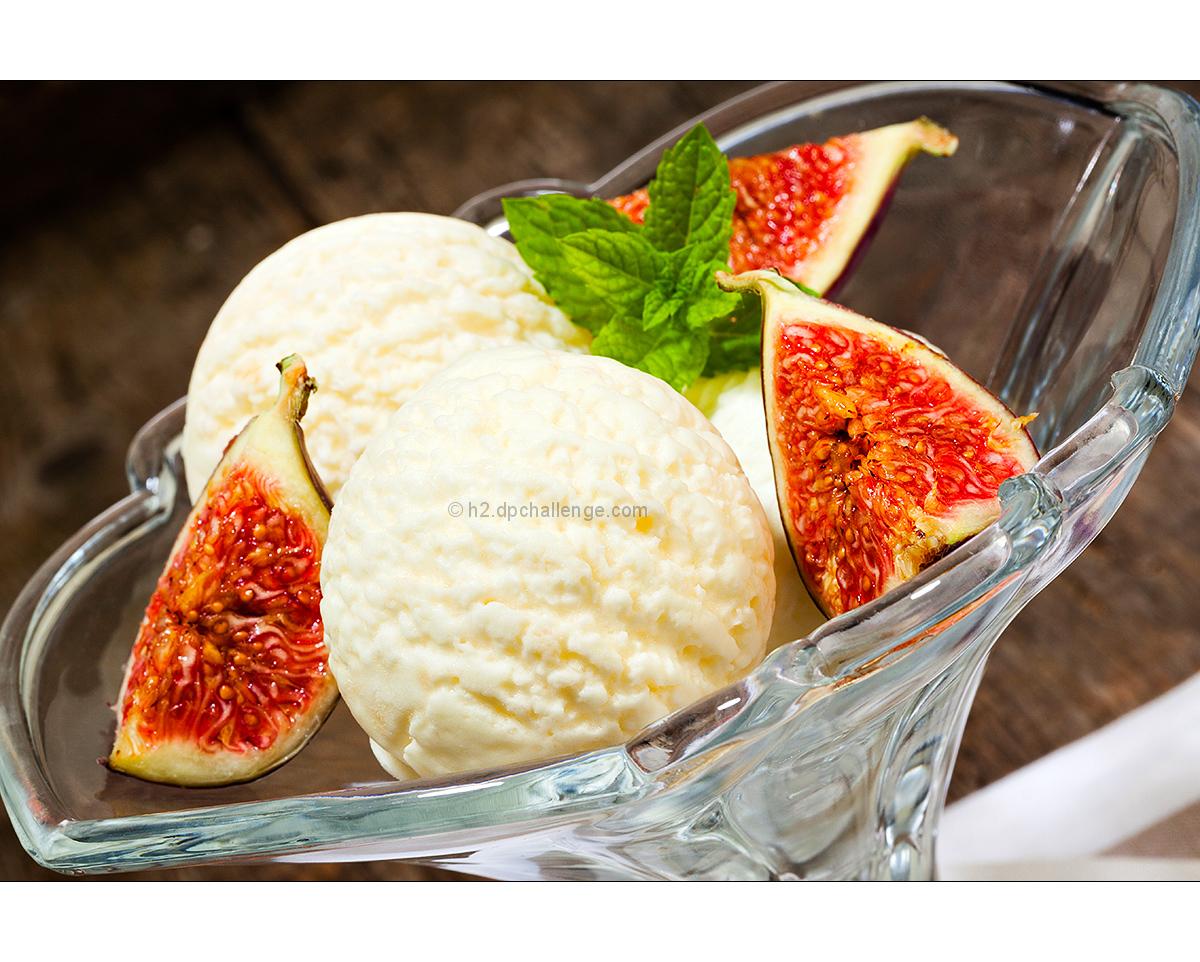 Vanilla ice cream and fresh figs