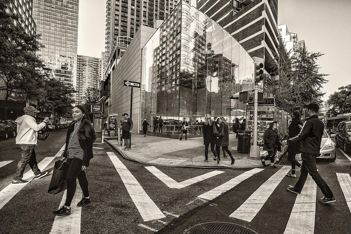 citiscape with pedestrians