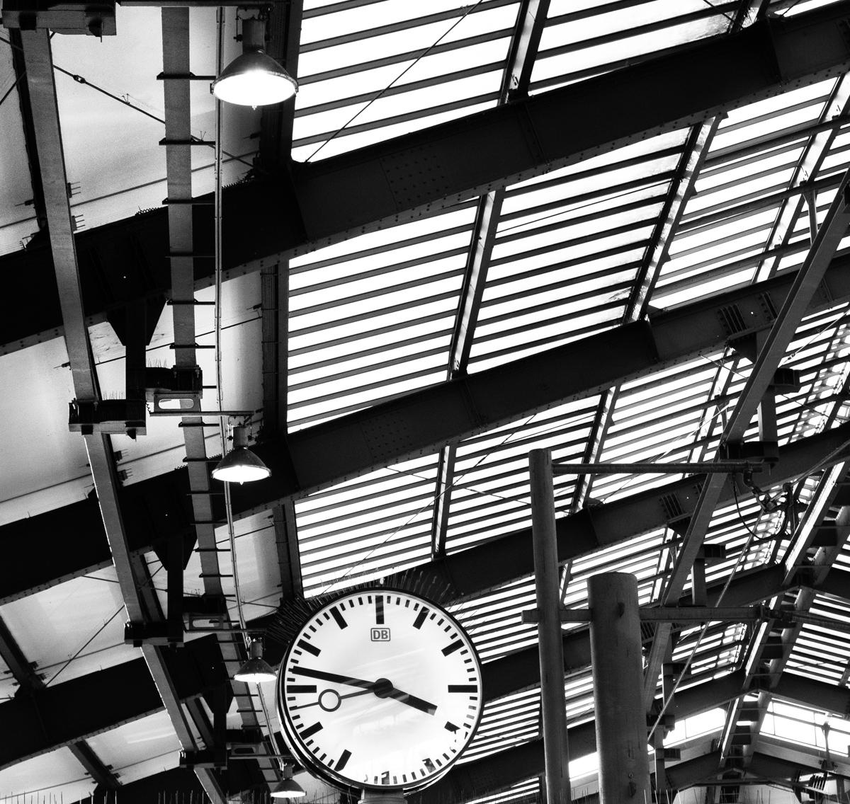 The clock on platform 3