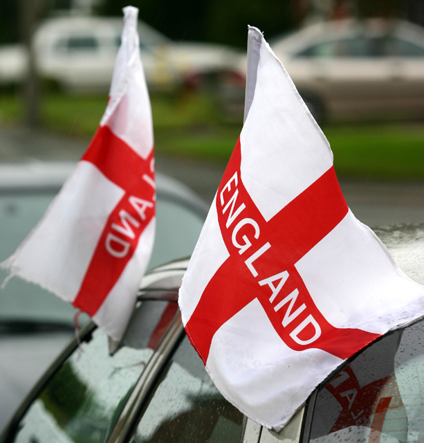 Car patriotism sweeps nation as England qualifies Euro 2004
