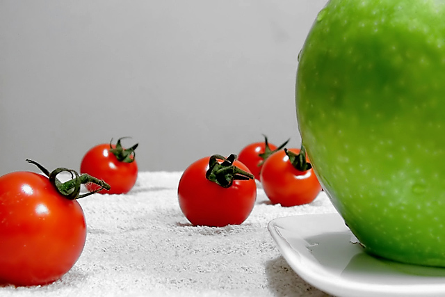 Tomatoes look to their leader