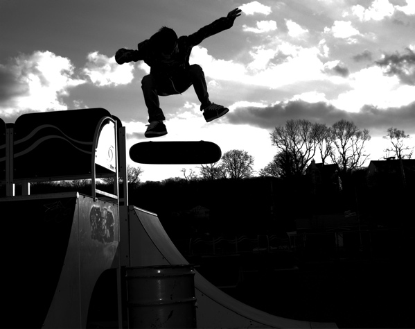 Kickfliping through contrast