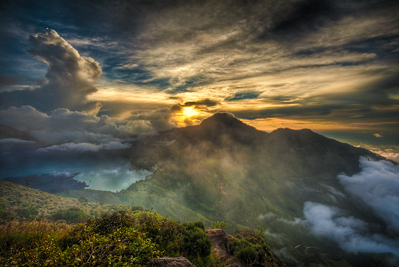 Sunset on Rinjani