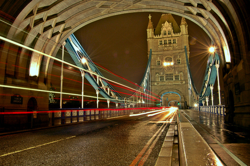 Red lines on Tower Bridge by night
