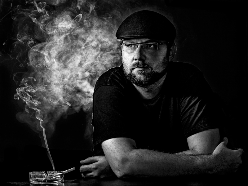 Smokin' selfie - A (self)portrait study with 2 1/2 lights