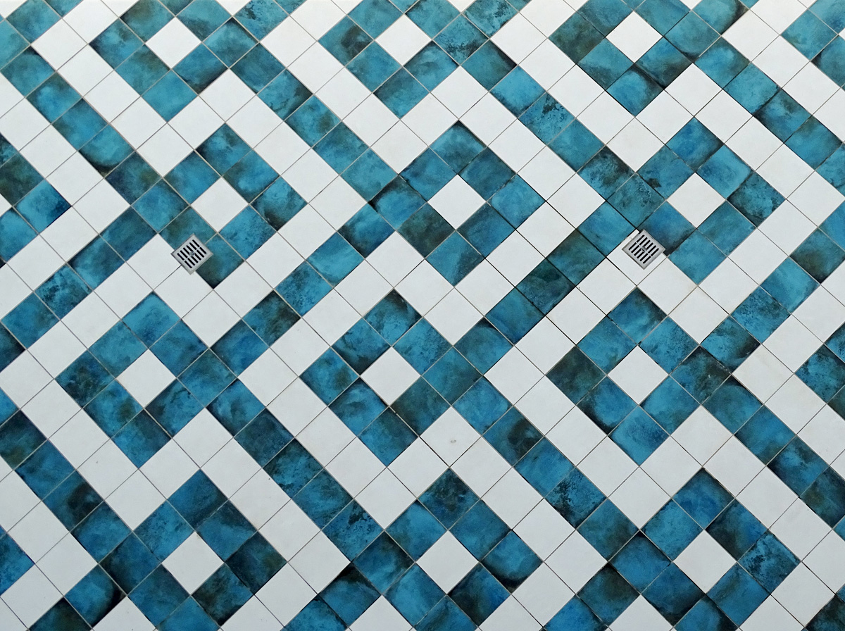 Pattern fitting of floor