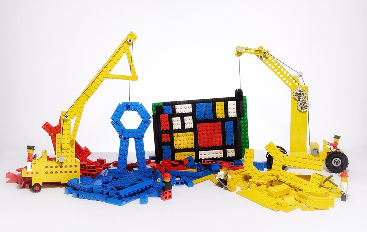 While building their Mondrian masterpiece, the Legonians create some DPC ribbons as well (wink wink)