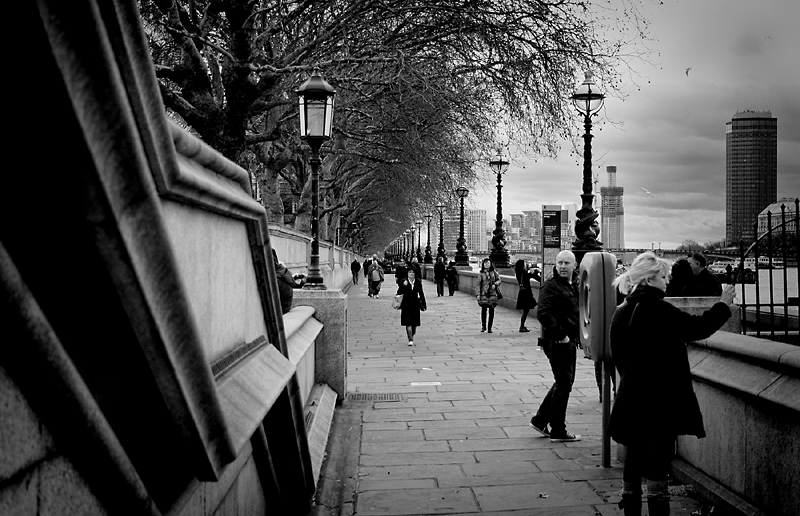 River Thames walkers