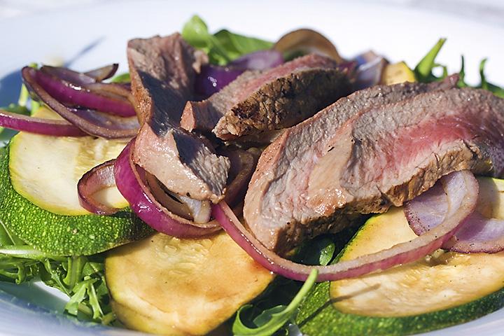 Food 21 - Summer salad with beef