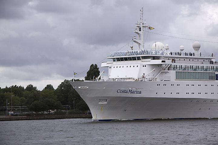 June 04 - Cruiseship